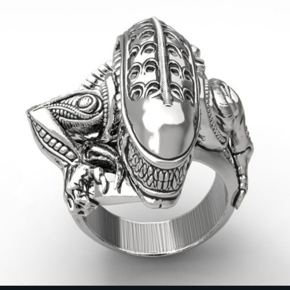 HP!! NWT Stainless Steel Silver 8 Alien Goth Ring!